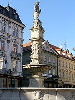 Maximiliánova_fontána, zdroj wikipédia