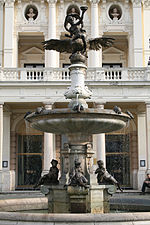 Ganymedova_fontána, zdroj wikipédia